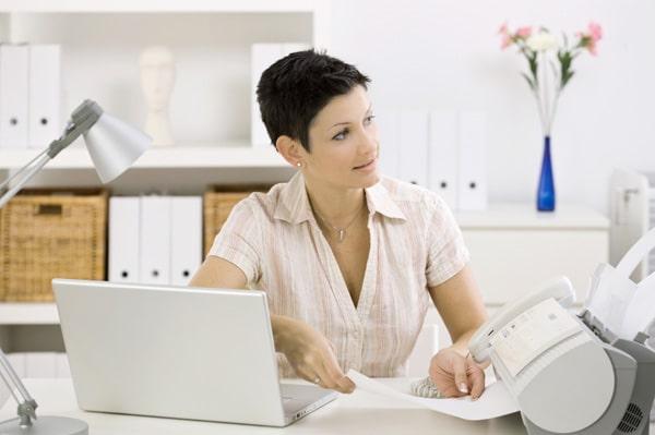 woman-in-modern-clean-office